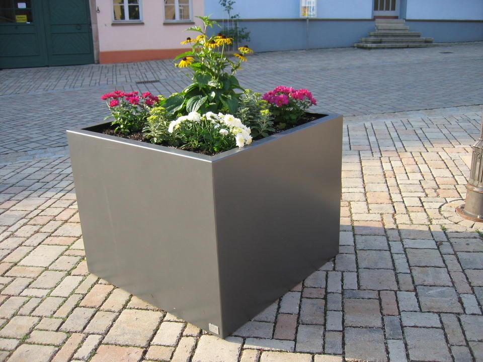 Pflanzkübel aus Stahl Edelstahl Corten